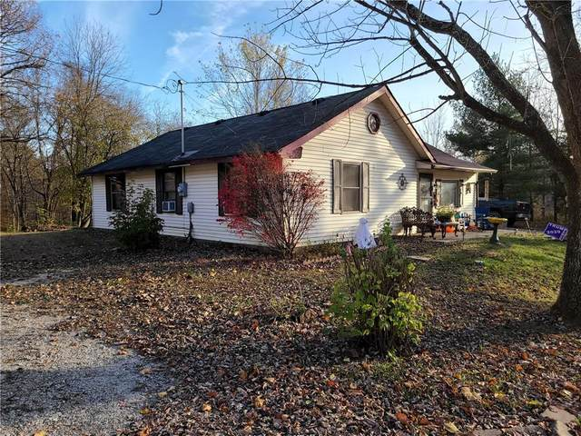 1335 Robb Hill Road, Martinsville, IN 46151 (MLS #21751431) :: Mike Price Realty Team - RE/MAX Centerstone