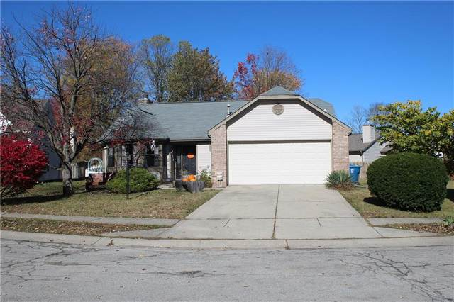 5438 Old Barn Circle, Indianapolis, IN 46268 (MLS #21751466) :: The Evelo Team