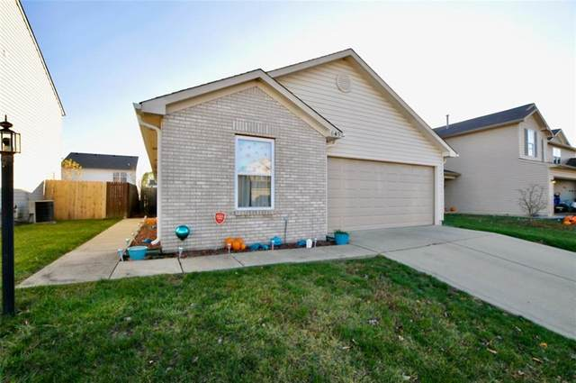 649 Blue Meadow Drive, Greenwood, IN 46143 (MLS #21752043) :: The Evelo Team