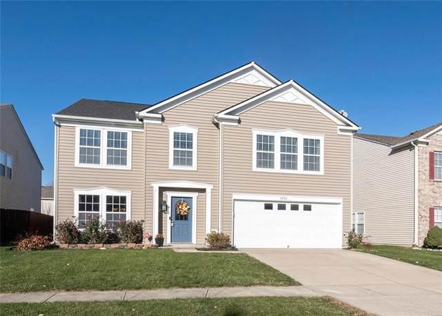 2902 Seasons Drive, Greenwood, IN 46143 (MLS #21752173) :: The ORR Home Selling Team