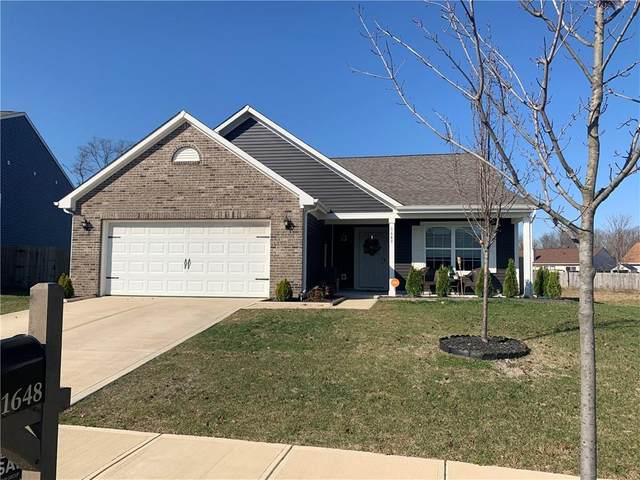1648 Woodside Circle, Franklin, IN 46131 (MLS #21752311) :: Anthony Robinson & AMR Real Estate Group LLC