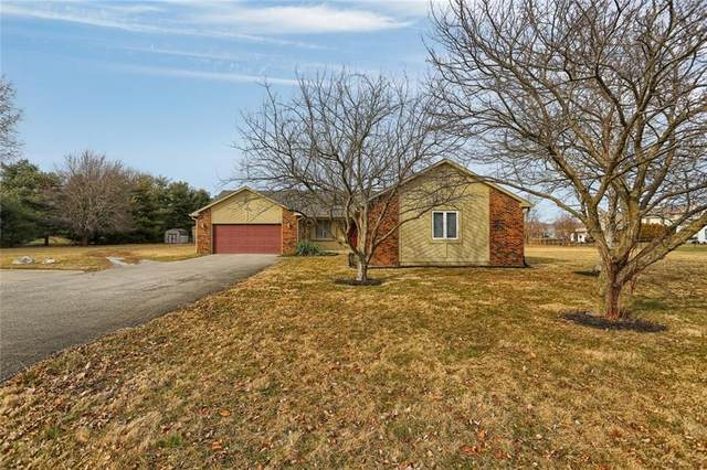 2200 W Main Street, Carmel, IN 46032 (MLS #21754507) :: David Brenton's Team