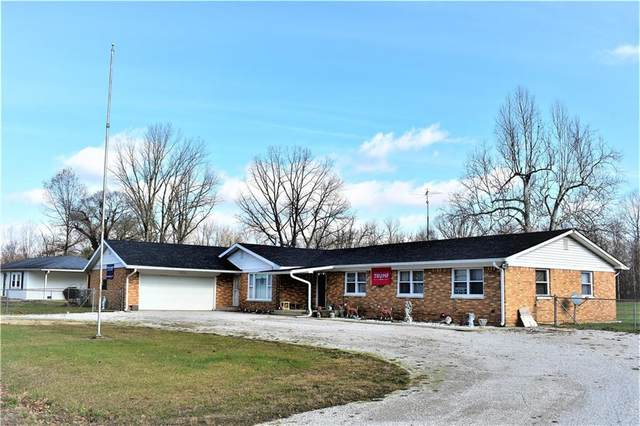3135 N Maple Turn Lane, Martinsville, IN 46151 (MLS #21754857) :: Dean Wagner Realtors