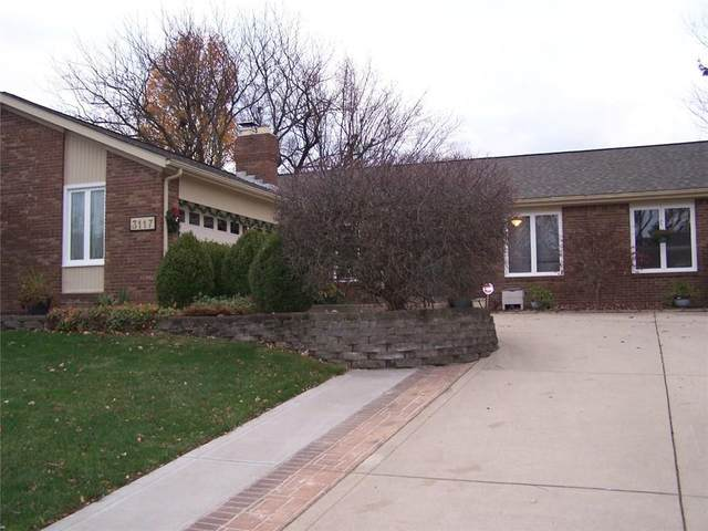 3117 Greensview Drive, Greenwood, IN 46143 (MLS #21755166) :: AR/haus Group Realty