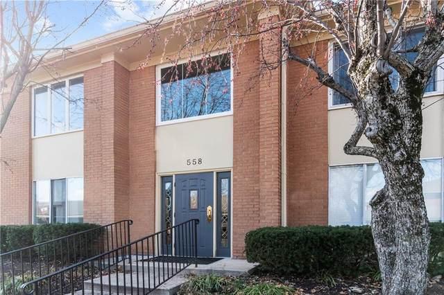 558 W Hunters Drive A, Carmel, IN 46032 (MLS #21755746) :: Ferris Property Group