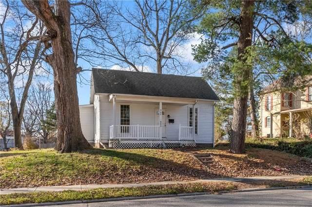 902 S Walnut Street, Seymour, IN 47274 (MLS #21756638) :: Corbett & Company