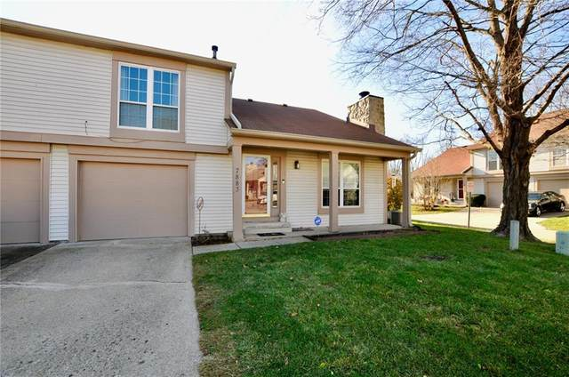 7883 Hunters Path, Indianapolis, IN 46214 (MLS #21757883) :: Corbett & Company
