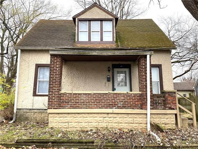 2821 E 13th Street, Indianapolis, IN 46201 (MLS #21758657) :: Dean Wagner Realtors