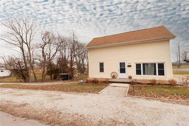 403 Harrison Street, Hope, IN 47246 (MLS #21759974) :: Dean Wagner Realtors
