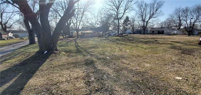 2013 W 27th Street, Anderson, IN 46016 (MLS #21760280) :: The ORR Home Selling Team
