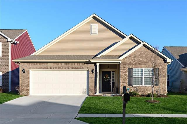 5301 Tanglewood Lane, Whitestown, IN 46075 (MLS #21760539) :: Mike Price Realty Team - RE/MAX Centerstone
