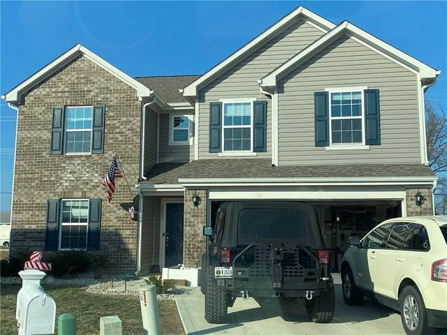 2003 Red Oak Court, Shelbyville, IN 46176 (MLS #21760930) :: The Indy Property Source