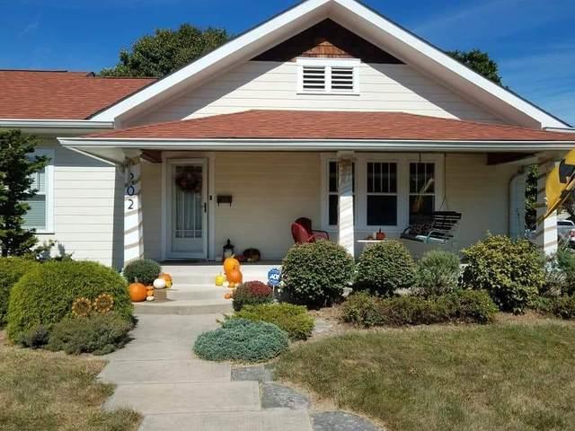 202 Noble Street, Greenwood, IN 46142 (MLS #21765647) :: Dean Wagner Realtors