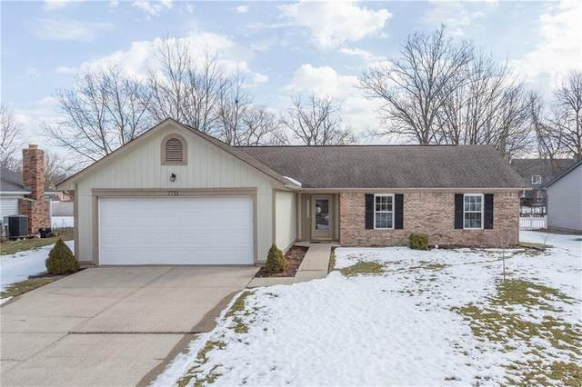 7711 Baywood Drive S, Indianapolis, IN 46236 (MLS #21767837) :: The Indy Property Source