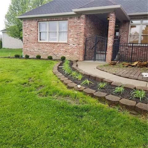 1635 Fox Drive, Martinsville, IN 46151 (MLS #21767930) :: RE/MAX Legacy