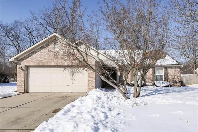 557 Woodfield Circle, Avon, IN 46123 (MLS #21767990) :: Richwine Elite Group