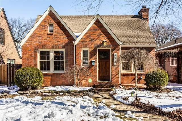 5317 N Park Avenue, Indianapolis, IN 46220 (MLS #21768311) :: The ORR Home Selling Team
