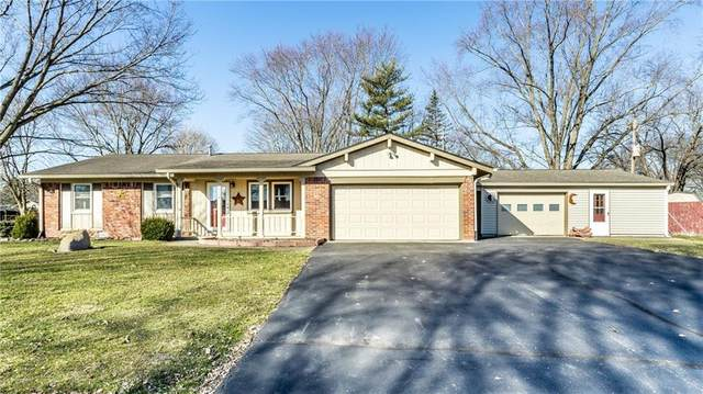 638 Lakeview Drive, Zionsville, IN 46077 (MLS #21768660) :: David Brenton's Team
