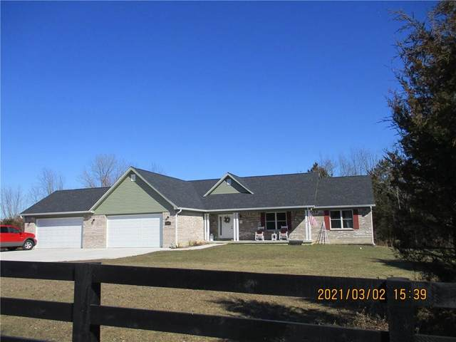2895 Woodland Farms Drive, Columbus, IN 47201 (MLS #21769148) :: Mike Price Realty Team - RE/MAX Centerstone