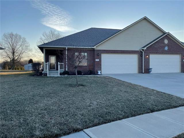 12731 N Lakeside Court, Mooresville, IN 46158 (MLS #21769666) :: The Evelo Team