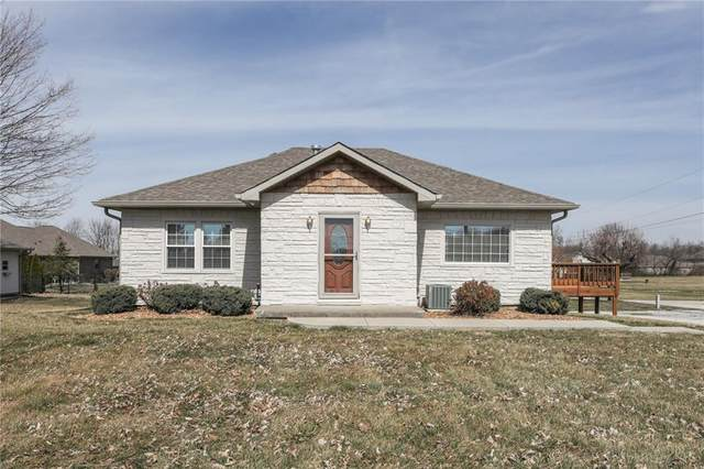 3660 W Smith Valley Road, Greenwood, IN 46142 (MLS #21770902) :: The Evelo Team
