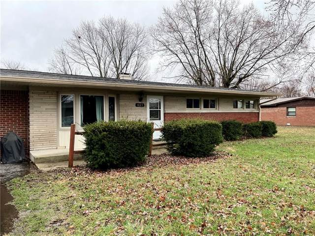 437 Robbins Drive, Greenwood, IN 46142 (MLS #21770919) :: The Indy Property Source