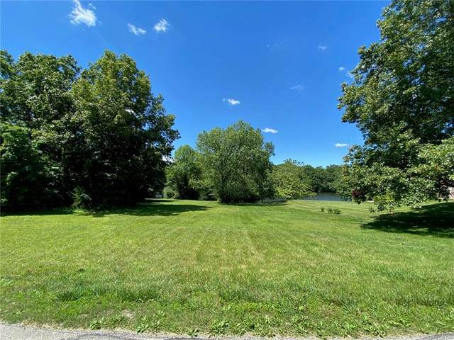 8090 Persimmon Lake Drive, Seymour, IN 47274 (MLS #21771037) :: Mike Price Realty Team - RE/MAX Centerstone