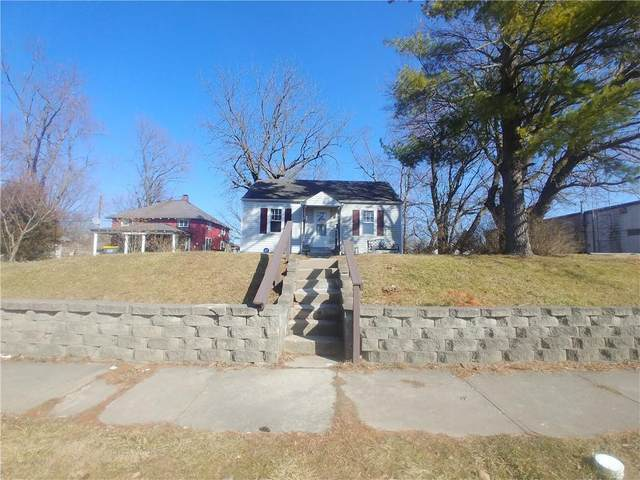 2436 Fairview Street, Anderson, IN 46016 (MLS #21771142) :: Pennington Realty Team