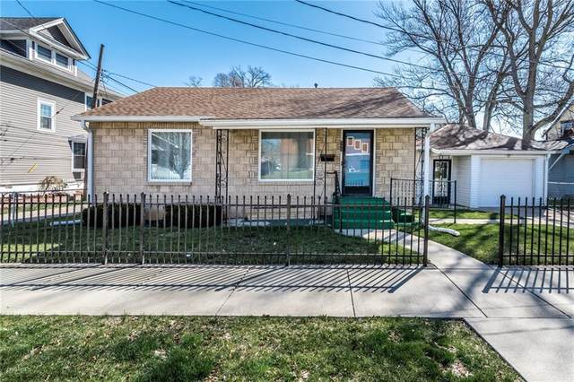 111 N East Street, Greenfield, IN 46140 (MLS #21773696) :: The ORR Home Selling Team