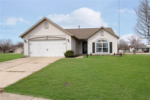 126 Meadow Glen Drive, Avon, IN 46123 (MLS #21773914) :: RE/MAX Legacy