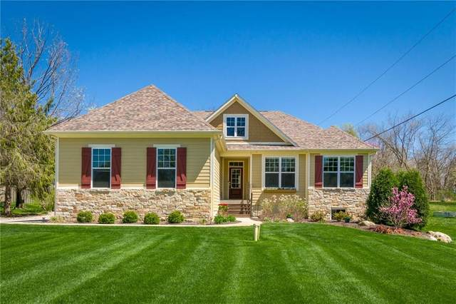 6823 S Ford Road, Zionsville, IN 46077 (MLS #21776493) :: The Indy Property Source