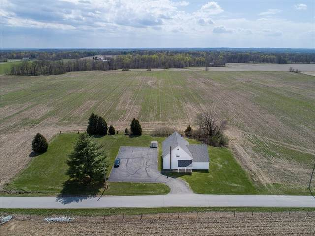 7975 New Harmony Road, Martinsville, IN 46151 (MLS #21777052) :: The ORR Home Selling Team