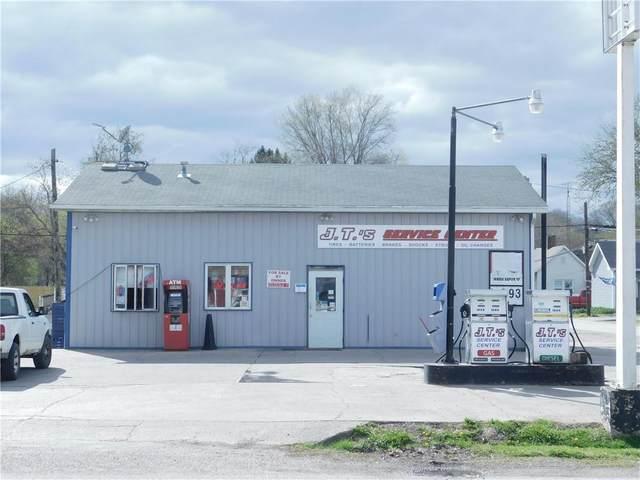 4 S Main Street, Rosedale, IN 47874 (MLS #21777151) :: David Brenton's Team