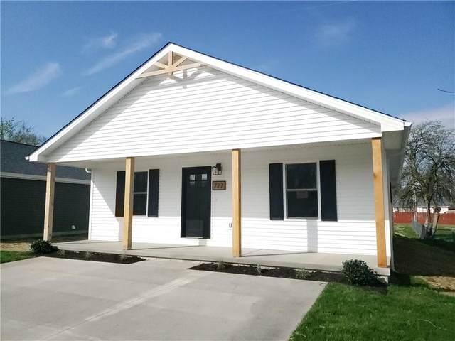 727 Hustedt Street, Seymour, IN 47274 (MLS #21777282) :: Dean Wagner Realtors