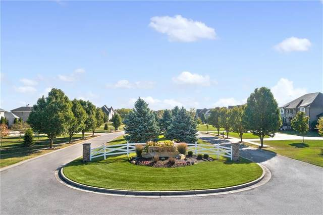 8006 Cheval Rue Court, Zionsville, IN 46077 (MLS #21777319) :: The Evelo Team