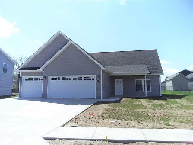 136 Woods Edge Blvd East, Greencastle, IN 46135 (MLS #21777473) :: The Indy Property Source
