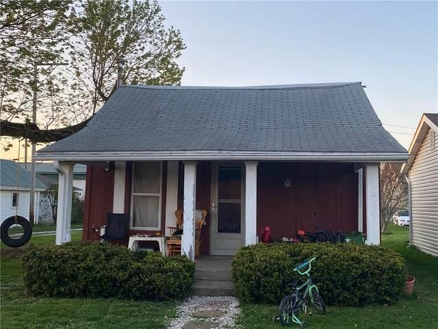 132 W Mckee Street, Greensburg, IN 47240 (MLS #21777646) :: The ORR Home Selling Team
