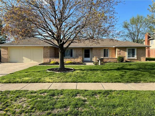 814 Knollwood Drive, Greenwood, IN 46142 (MLS #21777933) :: Anthony Robinson & AMR Real Estate Group LLC