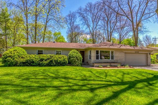 10305 Ruckle Street, Carmel, IN 46280 (MLS #21778046) :: AR/haus Group Realty