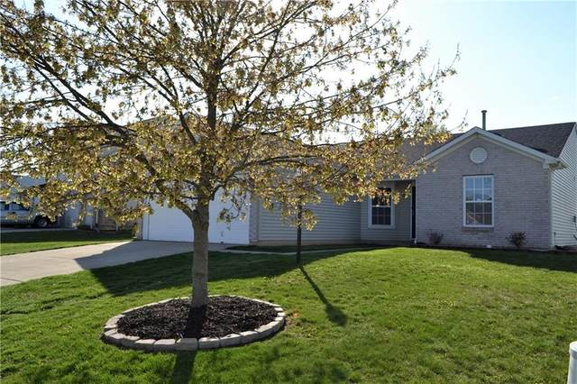 574 Paddlebrook Drive, Danville, IN 46122 (MLS #21778271) :: The Indy Property Source