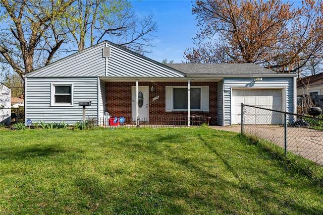 6174 Raleigh Drive, Indianapolis, IN 46219 (MLS #21778396) :: RE/MAX Legacy