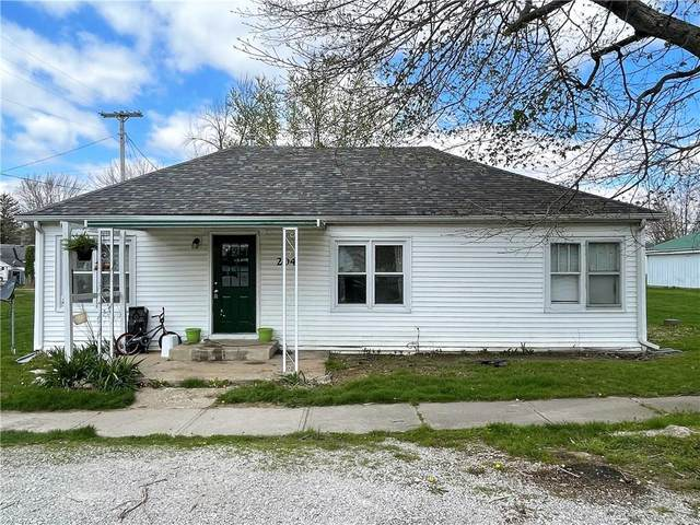 204 E Franklin Street, Roachdale, IN 46172 (MLS #21778452) :: Mike Price Realty Team - RE/MAX Centerstone