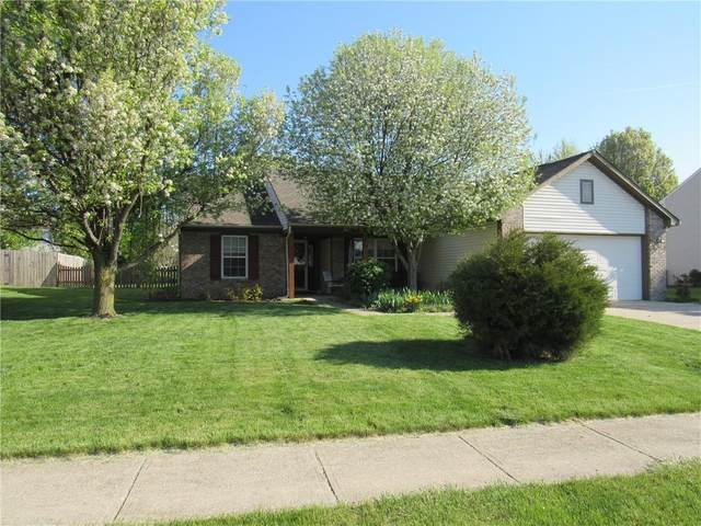 7176 Village Oaks Drive, Avon, IN 46123 (MLS #21778626) :: AR/haus Group Realty