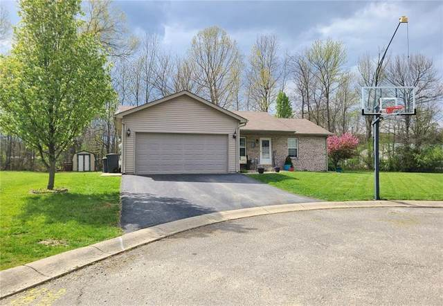 1967 Westbrook Drive, North Vernon, IN 47265 (MLS #21779029) :: David Brenton's Team