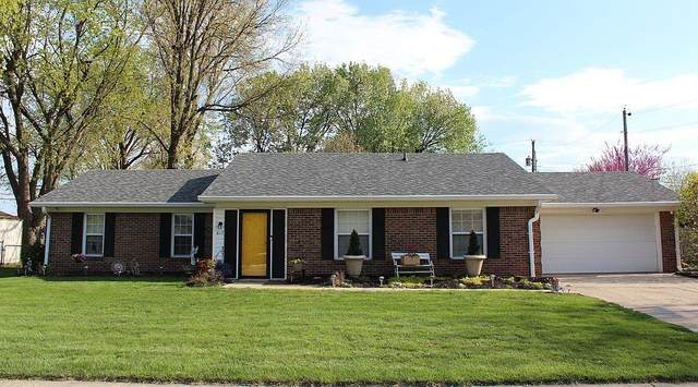 817 Knollwood Drive, Greenwood, IN 46142 (MLS #21779333) :: Anthony Robinson & AMR Real Estate Group LLC