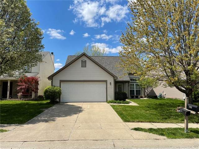 2184 Longleaf Drive, Greenwood, IN 46143 (MLS #21779405) :: David Brenton's Team