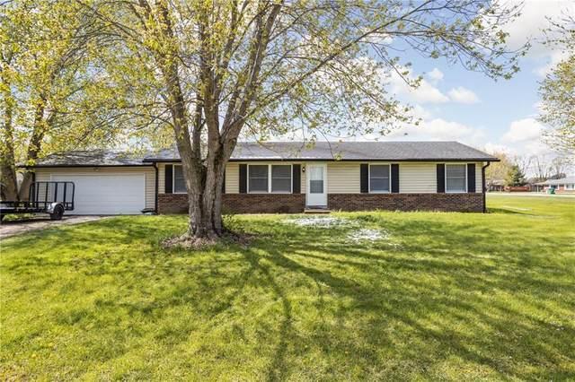 457 Cedar Glen Drive, Avon, IN 46123 (MLS #21781026) :: Mike Price Realty Team - RE/MAX Centerstone