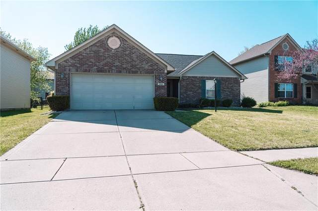 824 Trotter Court, Greenwood, IN 46143 (MLS #21781421) :: AR/haus Group Realty