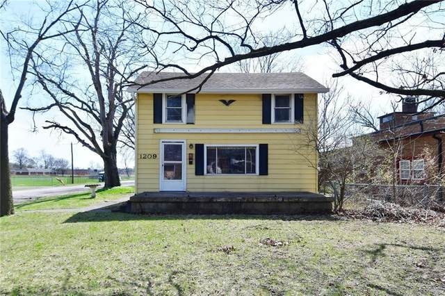 1209 E 46th Street, Indianapolis, IN 46205 (MLS #21781652) :: The ORR Home Selling Team