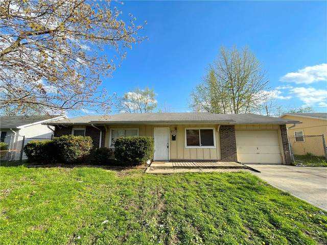 10131 E 33RD Street, Indianapolis, IN 46235 (MLS #21782044) :: Pennington Realty Team